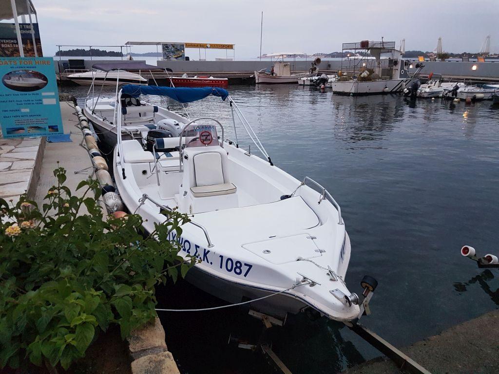 Charterboot auf Korfu