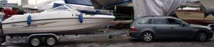 Im Wasser so klein, an Land so groß: 6m Trailerboote machen gut und gern 8,5m Trailer = 13,5m Gespannlänge