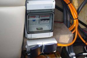 Kleinverteiler mit Sicherungsautomat